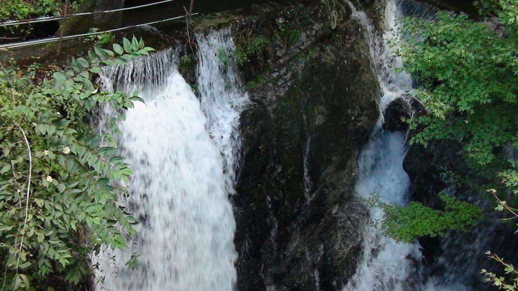常光寺の滝 下手