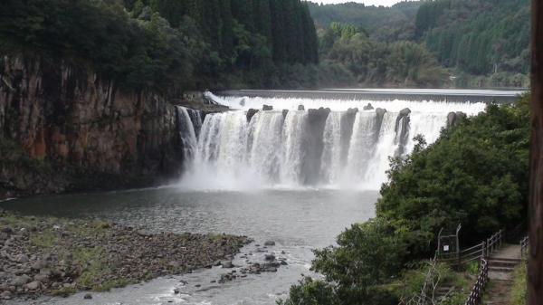 沈堕の滝 雄滝